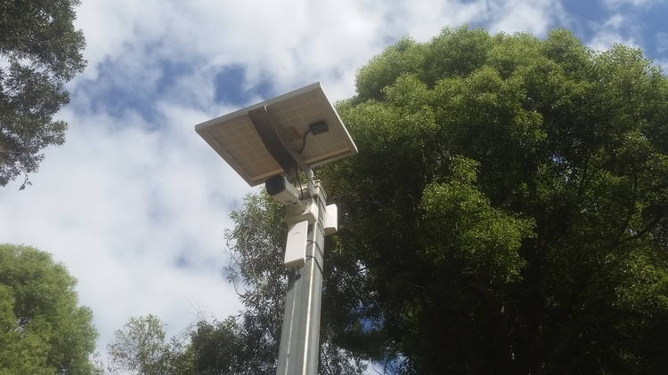 Solar Powered Security Camera            Wireless Station